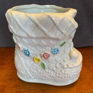Vintage Napcoware ceramic white single baby bootie